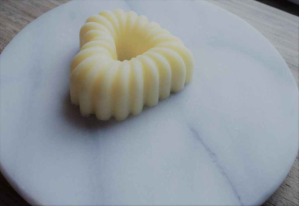 How to mold butter